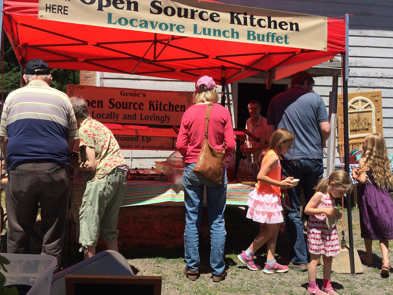 Delicious Locavore Lunch every Saturday at the Spencer Creek Growers Market